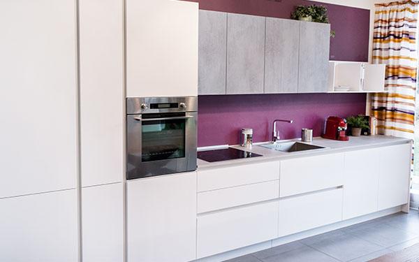 """aktuelle angebote von baustudio offerte """"special price"""". Komposition Küche cucina in alto adige, südtirol"""